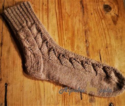 вязаные женские носки Листочки, 100% альпака